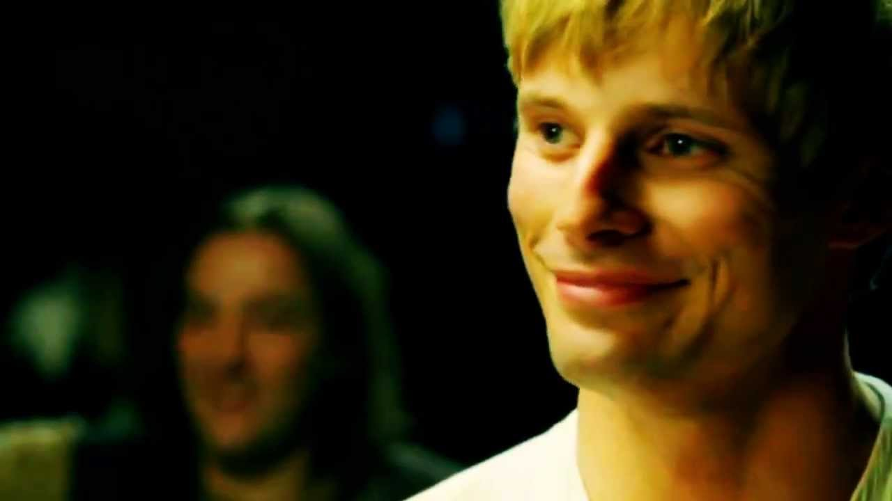 bradley james smile - photo #15