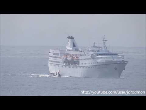 La Coruna Pilots 7 boarding OCEAN MAJESTY