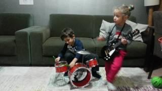 M.Kerem Karagozolu ve muzik