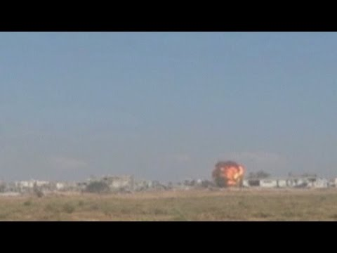Israel blows up Hamas tunnels as Gaza ceasefire talks rumble on - ITN  - ElP2da1FMmo -