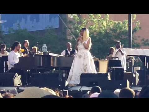 Aretha Franklin - Ain't No Way (6-10-17) mp3