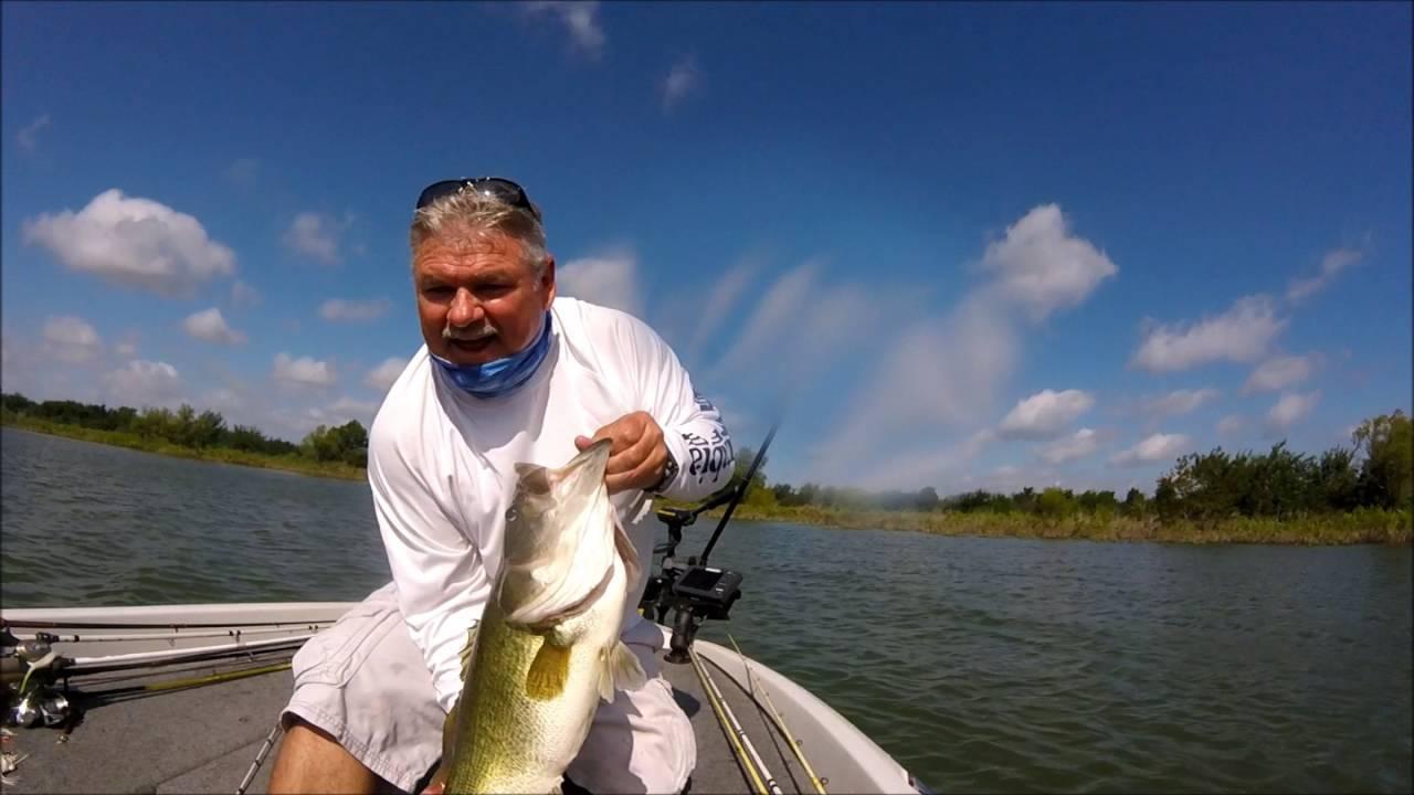 Freshwater fish lewisville tx - Big Bass Catch On Lake Lewisville