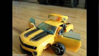 Transformers - Bumblebee vs. Sideswipe (Stop-motion Animation)