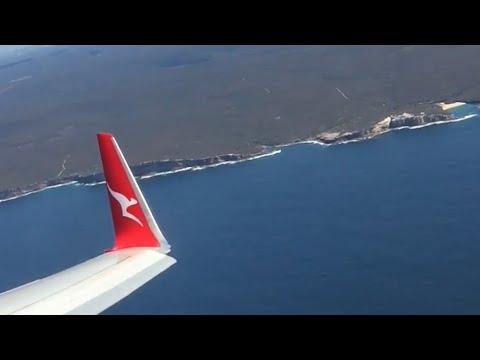 New Livery!! Qantas B737-800 landing into Stunning Sydney Airport