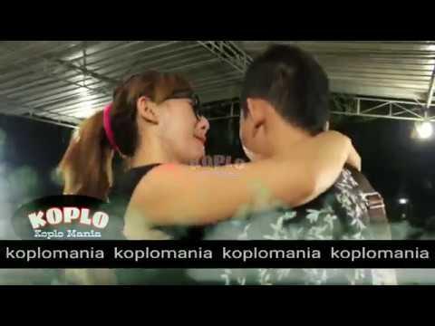NIRMA CHOCOLATE FT LIA CAPOCINO - AKU CAH KERJO HOT KOPLO thumbnail