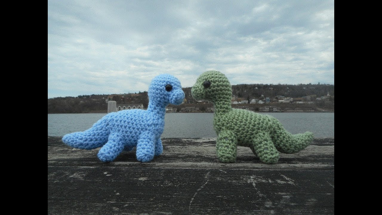 Dinosaur Amigurumi Pattern - Free - Ami Amour | 720x1280