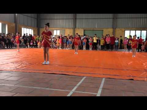 Bài nhảy aerobic 8 người xếp thứ 4/19 trường.