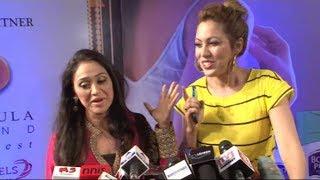 Munmun Dutta (Babita) and Disha Vakani (Daya) together at Zee Gold Awards 2014.