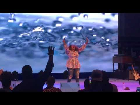 Kierra Sheard   at Youthfest -