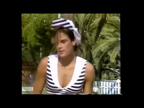 Stephanie De Monaco - Dance With Me