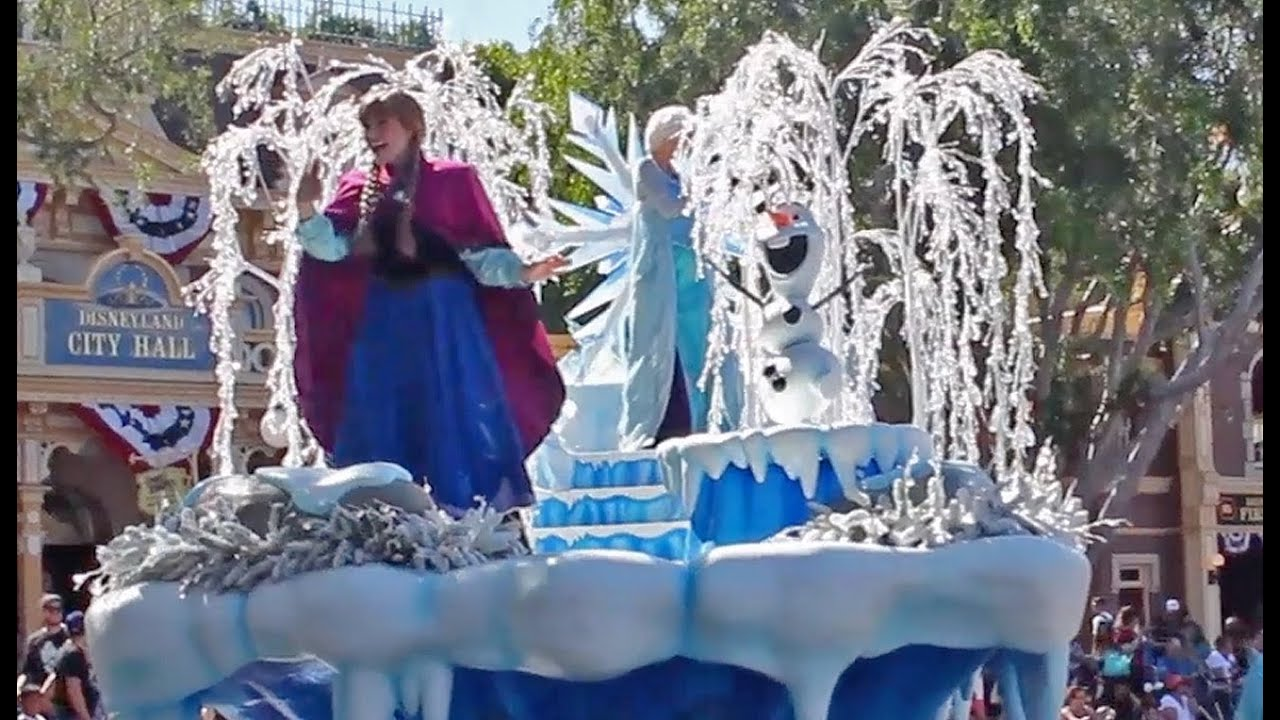 Frozen Pre Parade Debut With Anna Elsa Olaf At