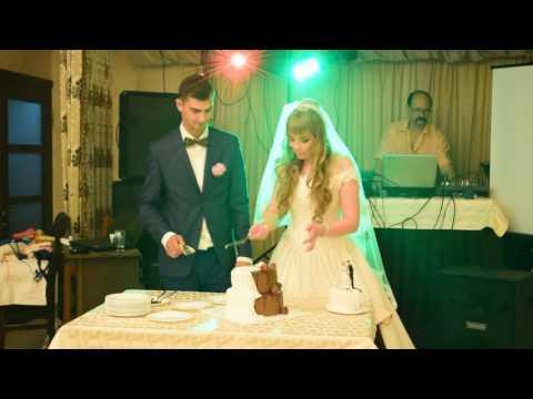 Как резать двухъярусный торт