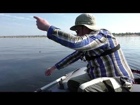 Рыбалка в Шторм. ЛЕЩ дуреет от этой НАЖИВКИ. Ловля леща на кольцо. Рыбалка на леща на  реке 2018
