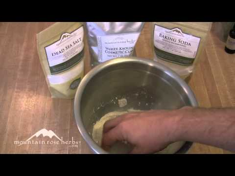 How to Make Herbal Tooth Powder