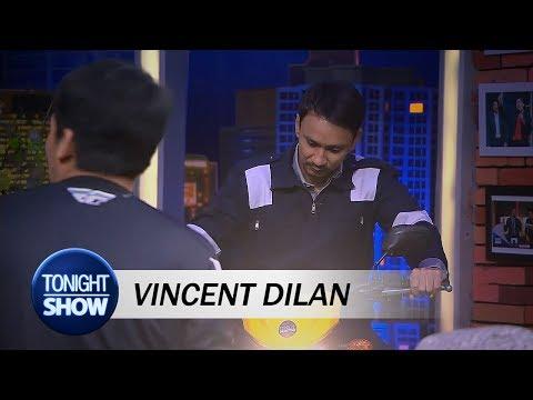 Lagi Asyik Jajuli, Vincent Bertingkah Bak Dilan