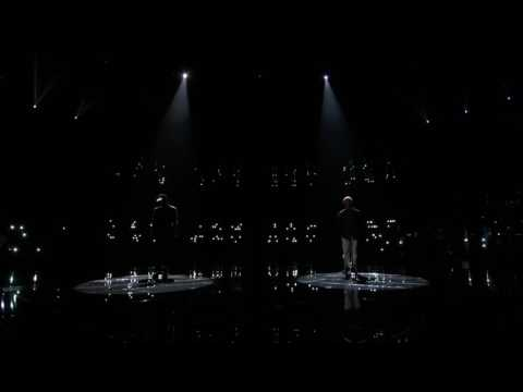 Chris Blue and Usher - Everybody Hurts (The Voice)