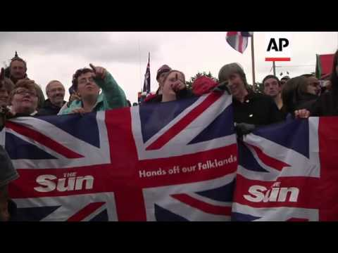 Rally in Port Stanley as Falkland Islanders vote on political status; reax in Argentina