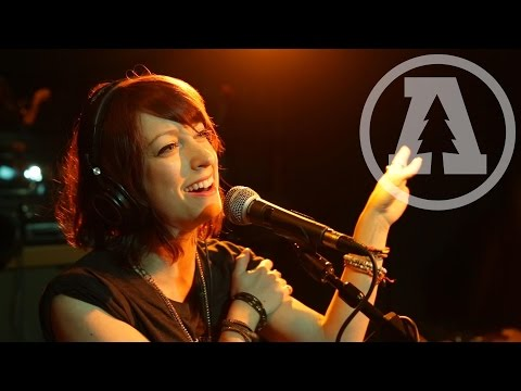 Sister Sparrow & The Dirty Birds - Mama Knows - Audiotree Live