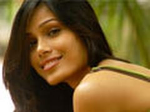 Freida Pinto Bares It All For Immortals - Hot News - YouTube