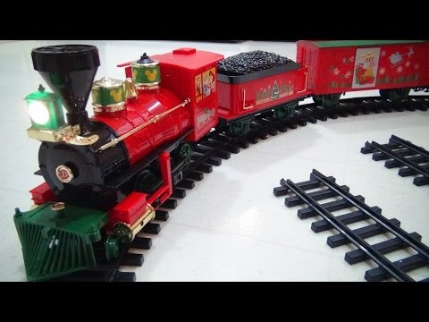 DISNEY CHRISTMAS TRAIN PLAYSET VIDEO TOY REVIEW WITH MICKEY MOUSE, MINNIE, GOOFY AND DONALD