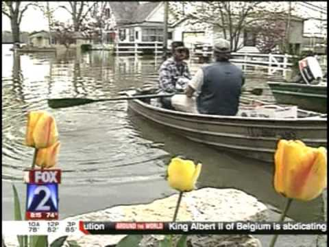 Great St  Louis Flood 1993 is reviewed by Fox2 News 7-4-13