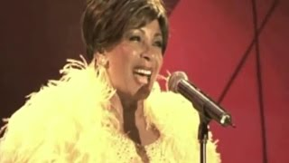 Shirley Bassey - Light My Fire / SOMETHING  (2006 Feanol Festival Live)