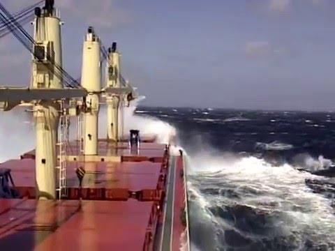 Rough Seas On a Handy Max bulker... In south Pacific