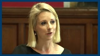 Isabel Oakeshott | Reporting News vs Making News | Oxford Union