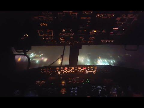Stormy 737 landing, LGA, cockpit