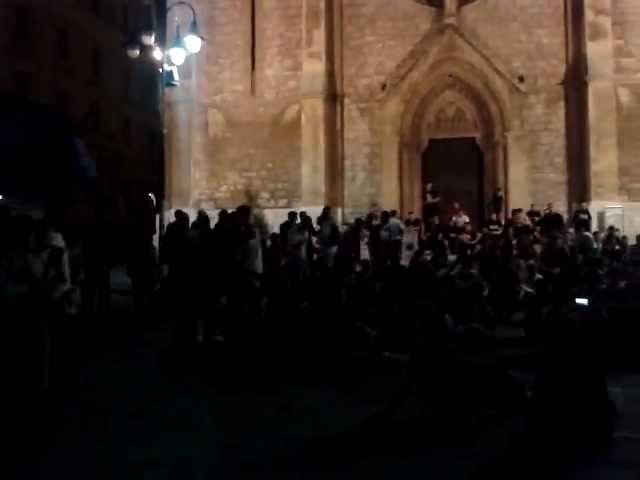 Hordanje ispred katedrale!