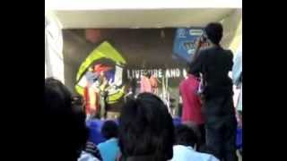 Oratus Indian Rock Band Livewire Mood Indigo IIT 2007 Song 2