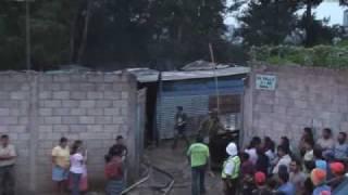 Incendio consume viviendas en la zona 1