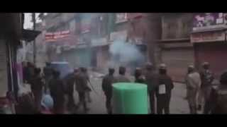 Indian troops fire tear gas to disperse Kashmiri protesters. Pak Indo Dispute