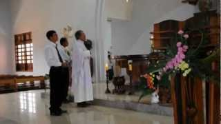 HĐ CGNL:Chúc Tụng Thánh Giuse Sau Thánh lễ .AVI