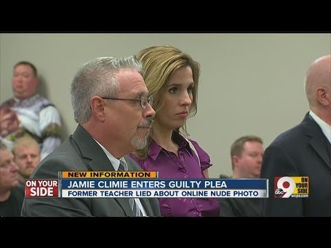 Teacher in nude photo gets probation