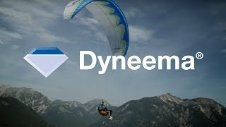 Paragliding. Only with Dyneema®