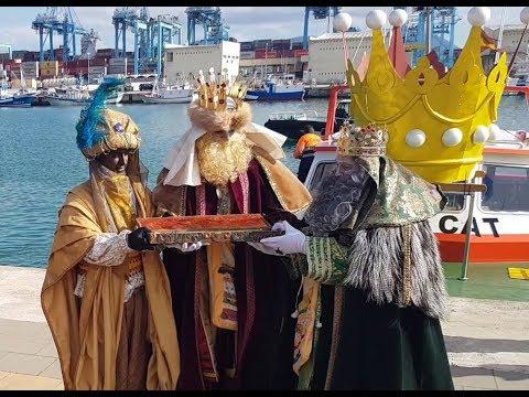 #NOTICIAS Los Reyes Magos ya están en Algeciras repartiendo ilusiones