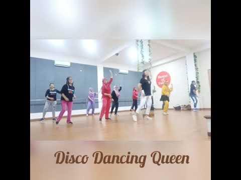 Disco Dancing Queen Line Dance (Wandy & Hotma)