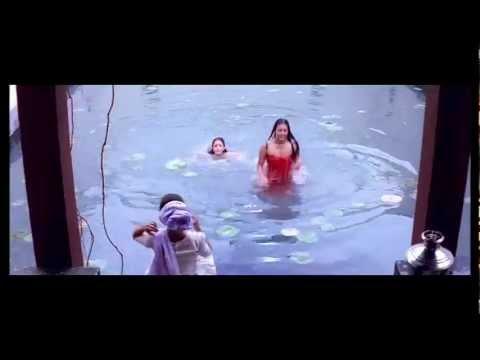 Kandu Kondein Kandu Kondein, Aiswaraya Rai & Tabbu Into scene