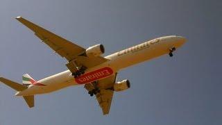 emirates airlines boeing 777 landing at eleftherios venizelos airport runway 03l