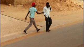 Mahfousse et ses délires téléphone volé partie 2