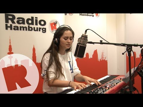 Jasmine Thompson - Old Friends / Live & Unplugged