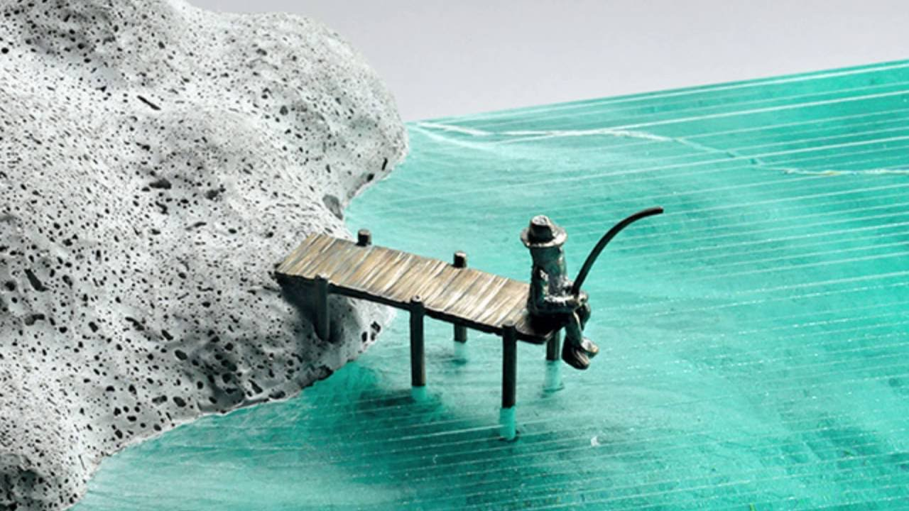 Ben Young Sculptures Ben Young The Glass Miniaturist Who Creates Oceans