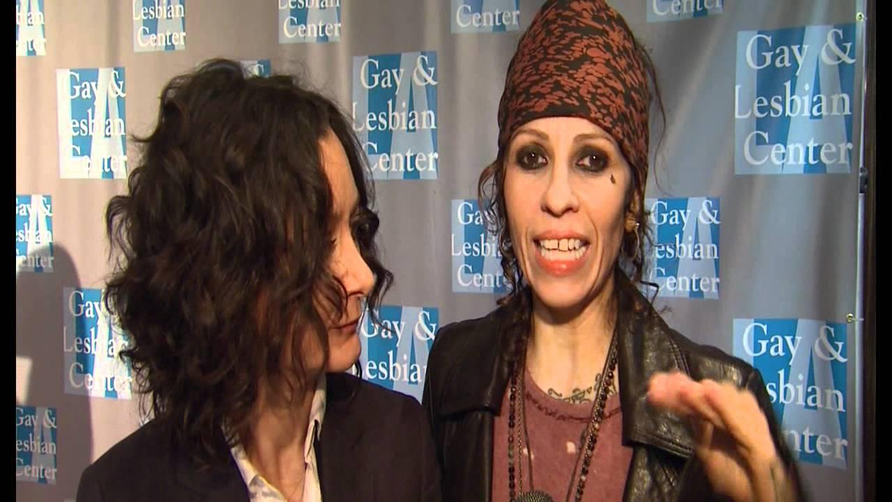Sara Gilbert Amp Linda Perry An Evening With Women Youtube