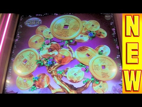 SLOT MACHINE MEGA BIG WIN Vampire's Embrace TOP 5 BONUS Las Vegas Casino Slots Winner from YouTube · High Definition · Duration:  3 minutes 40 seconds  · 52 000+ views · uploaded on 03/05/2014 · uploaded by VegasLowRoller