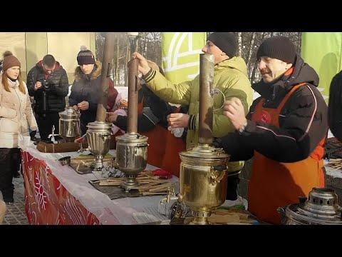 Rusya'da semaver çayı festivali: Hızlı kaynatan kazanır