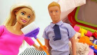 Кен и Барби убираются в новом доме - Мультики с куклами