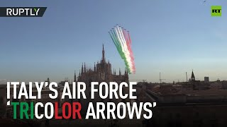 'Tricolor hug'   Italian Air Force paints flag on sky over Milan