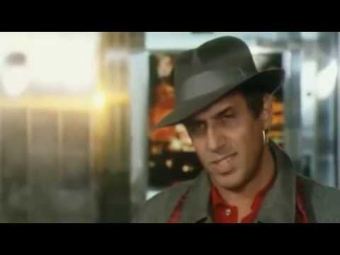 Adriano Celentano am Flughafen