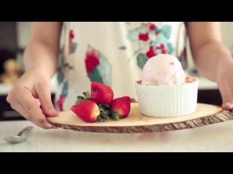 FST 127 - Haagen-Dazs Strawberry Ice Cream Commercial